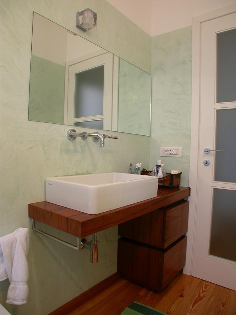 Mobili bagni sarzana la spezia for Mobile bagno wenge offerte