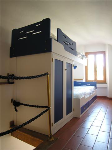 Mobili zona notte marina sarzana la spezia for Letto a castello con armadio